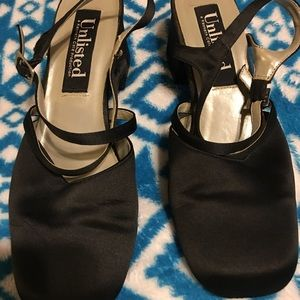Black casual women's shoes
